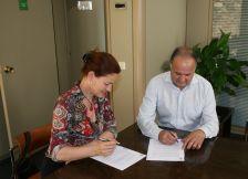 Signatura del conveni amb Daina