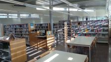 Sala d'estudi, a la Biblioteca Municipal Josep Badia i Moret